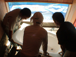 bathtub04.jpg